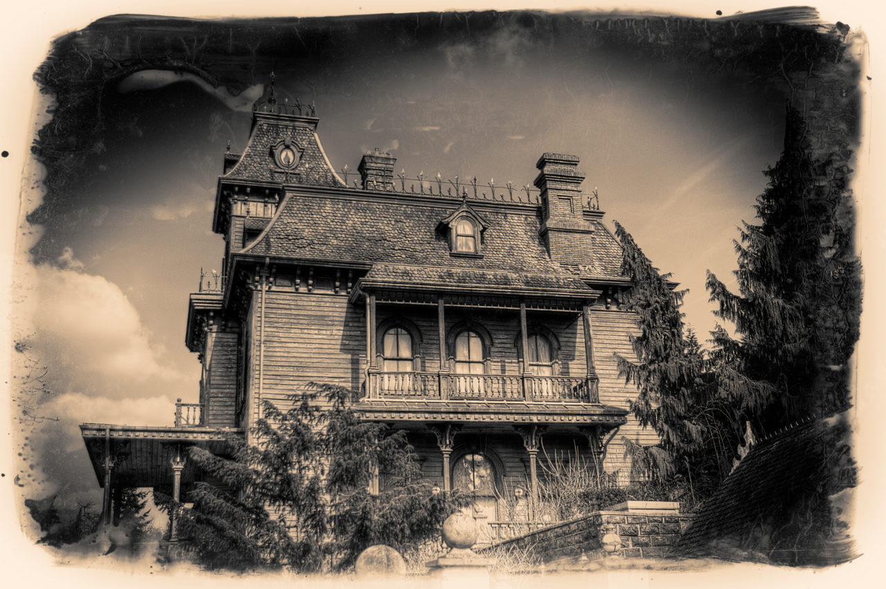 Ravenswood Manor - like an old photograph