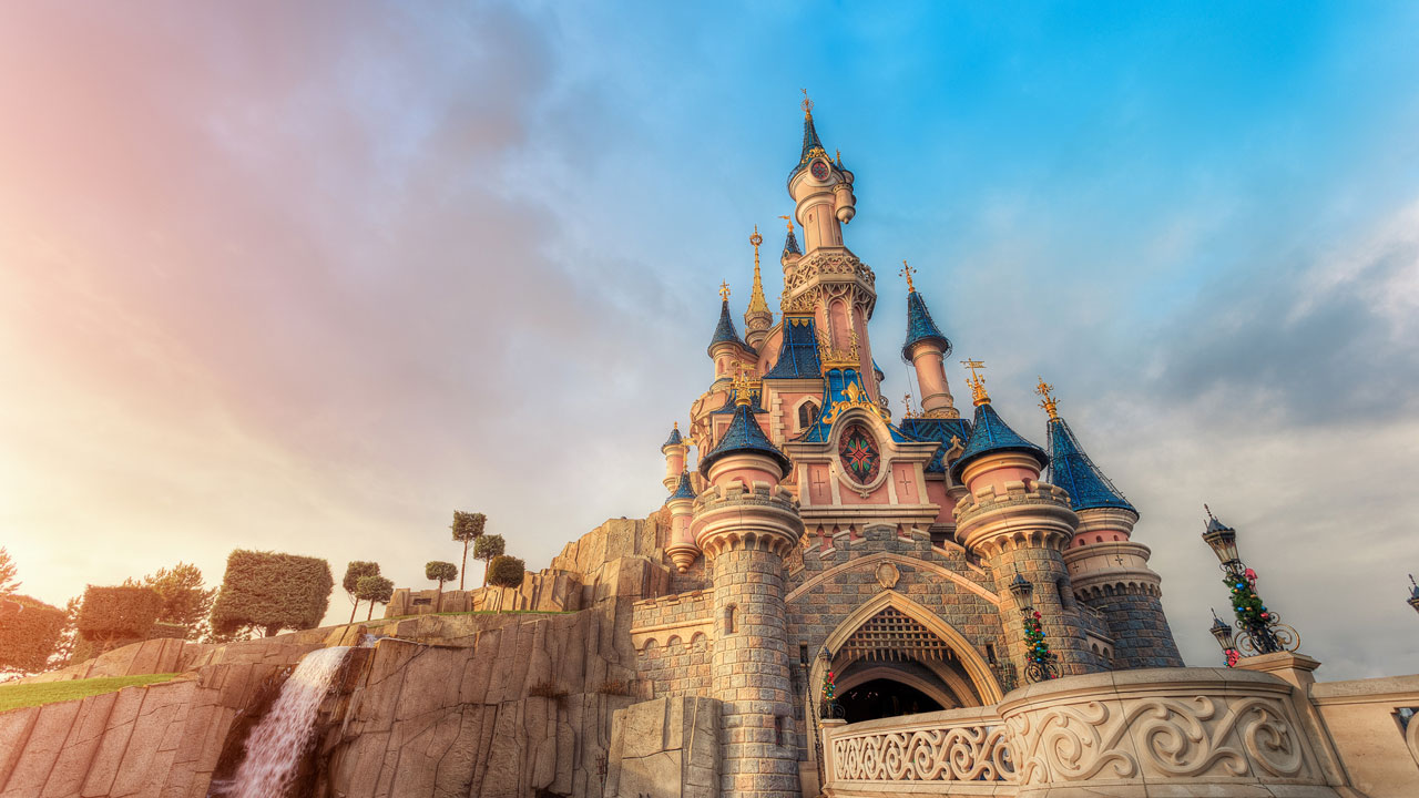 home-Disneyland-Park-Paris-France-Hot-Cold1